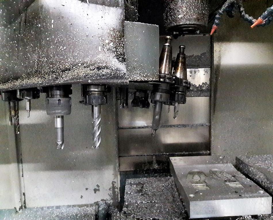 Piegamento disco cambio utensile causa urto © Ingenia