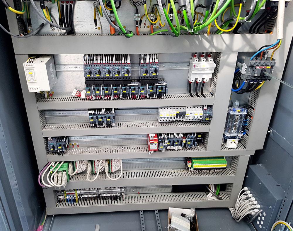 Quadro elettrico cablato © Ingenia