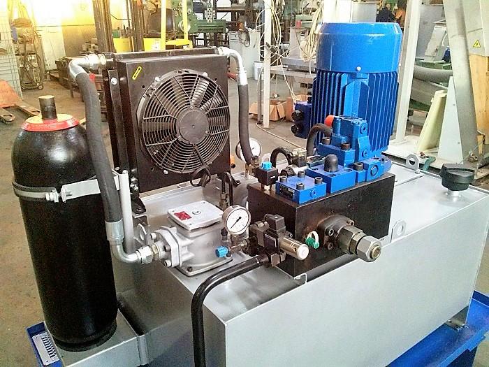 Revisione centralina idraulica © Ingenia