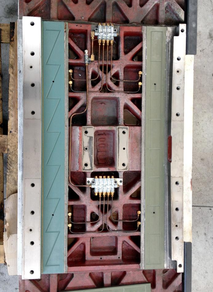 Rifacimento turcite su piano di lavoro © Ingenia