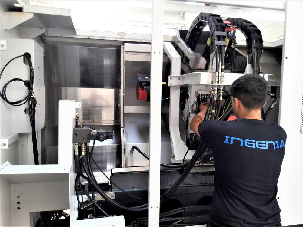 Assistenza su impianto di lubrificazione tornio Takisawa © Ingenia