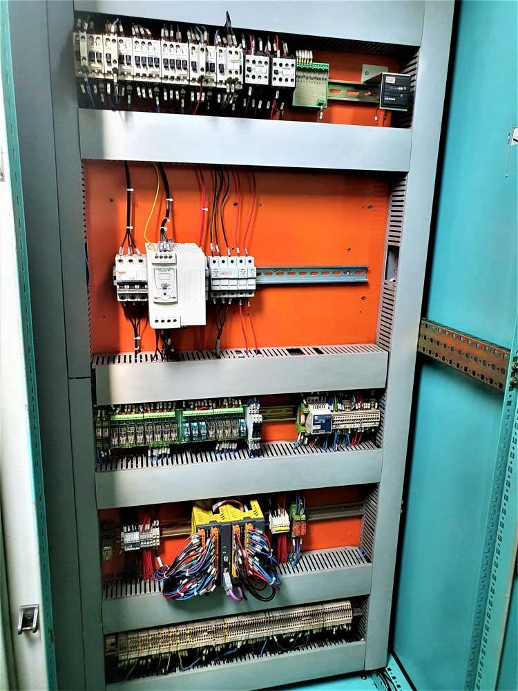 Quadro elettrico modificato retrofitting tornio Castor © Ingenia