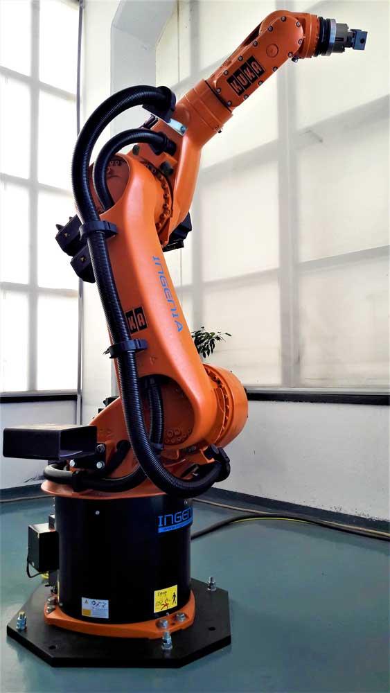 Robot KUKA KR 60-3 © Ingenia