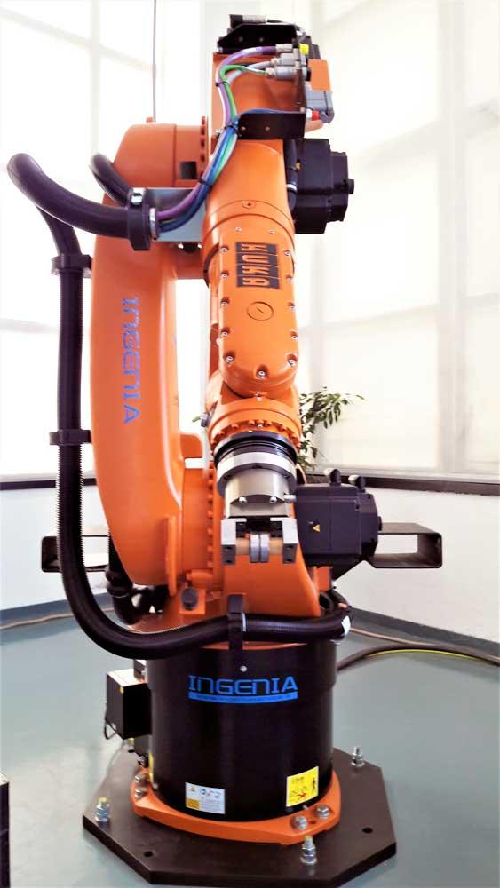 Robot antropomorfo KUKA KR 60-3 © Ingenia