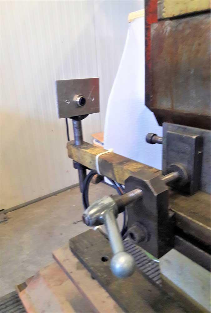 Sostituzione fotocellule tagliente su piegatrice Farina PFO B60 3 per messa a norma © Ingenia